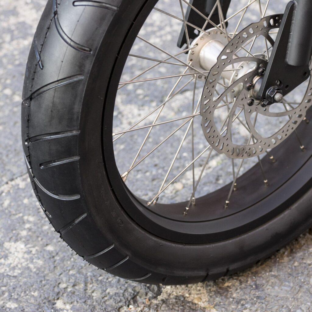 Innova Semi-Slick Street Tire 20 x 4''